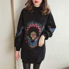 Little V - Embroidered Pullover Dress