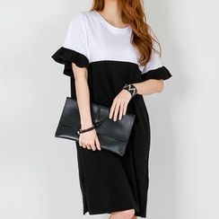 FASHION DIVA - Frill-Sleeve Color-Block T-Shirt Dress