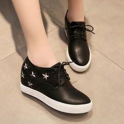 幸福鞋坊 - 鉚釘繫帶鞋