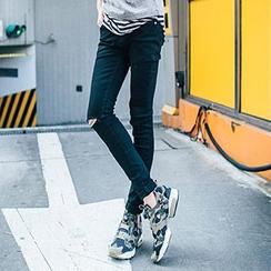 AOYAMA - 窄身牛仔褲