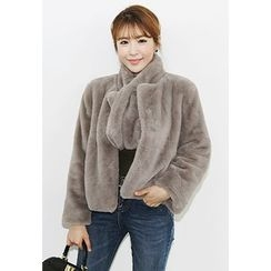 INSTYLEFIT - Faux-Fur Jacket with Scarf
