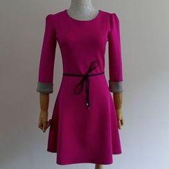 Oaksa - 3/4-Sleeve A-line Dress