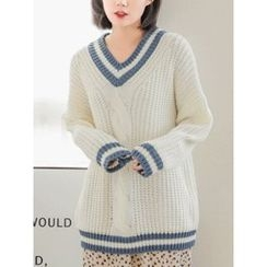 LOLOten - V-Neck Contrast-Trim Cable-Knit Sweater