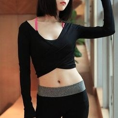 Quintina - Long-Sleeve Yoga Crop Top