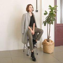 Seoul Fashion - U-Neck Short-Sleeve T-Shirt