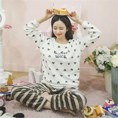 ode' - Pajama Set: Heart Patterned Top + Stripe Pants