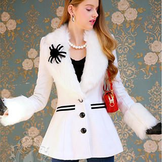Dabuwawa - Faux-Fur Collar A-Line Coat with Brooch