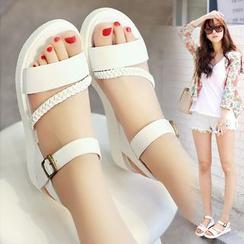 BAYO - Strappy Platform Sandals