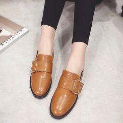 QQ Trend - 饰扣乐福鞋