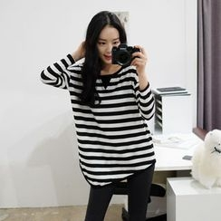 WHITE FOX - Asymmetric-Hem Striped T-Shirt