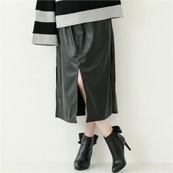 GLAM12 - Faux-Leather Slit-Fonrt Skirt