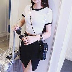 Octavia - Contrast Trim Knit Short-Sleeve T-Shirt