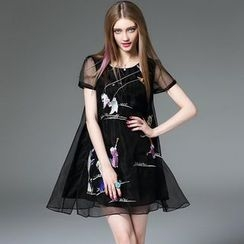 Queen Mulock - Short-Sleeve Embroidered Dress
