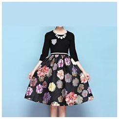 Strawberry Flower - Elbow-Sleeve Flower Print A-Line Dress