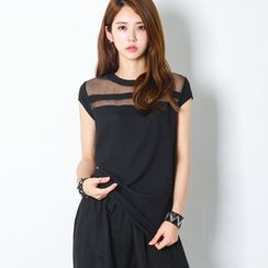 FASHION DIVA - Short-Sleeve Mash-Panel Top