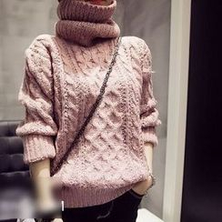 Rainbeam - Turtleneck Cable-Knit Sweater