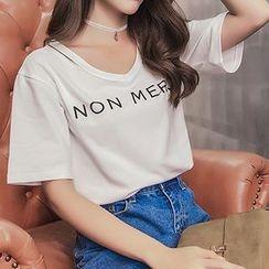 Ashlee - V-neck Letter Short-Sleeve T-shirt