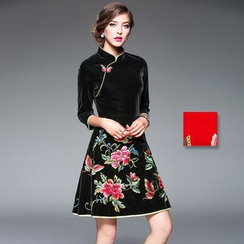 Y:Q - Floral Embroidered A-Line Cheongsam