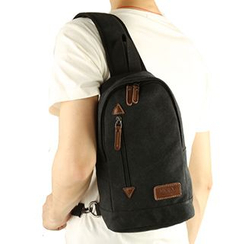 Moyyi - Canvas Slingbag