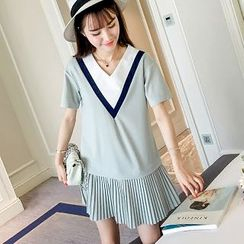 Colorful Shop - Pleated T-Shirt Dress