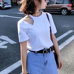 Jolly Club - Short-Sleeve Cutout T-Shirt