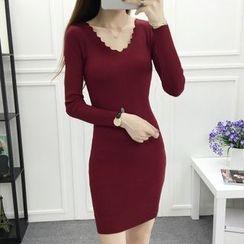 Cottony - Scallop Neck Long Sleeve Knit Dress