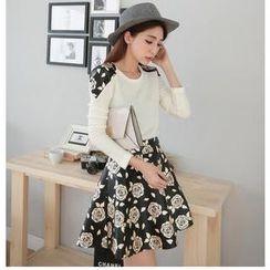 Hanako Shiratori - Set: Floral Panel Sweater + Floral A-Line Skirt
