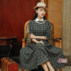 GU ZHI - Set: Elbow-Sleeve Plaid Top + Sleeveless Contrast-Collar Plaid Dress