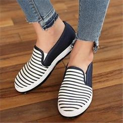 CHICFOX - Striped Slip-Ons