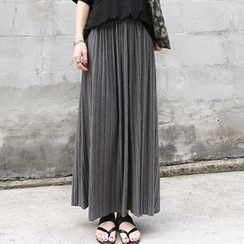 Jolly Club - Pleated Maxi Skirt