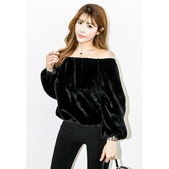 INSTYLEFIT - Off-Shoulder Faux-Fur Top