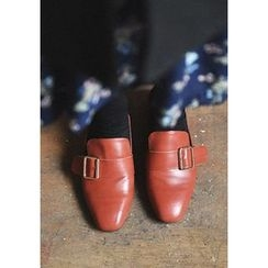 GOROKE - Faux-Leather Buckle-Detail Loafer