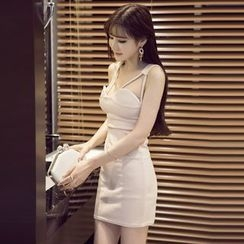 Maine - Sleeveless Sheath Dress