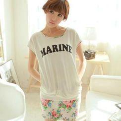 Chuvivi - Set: Lettering Print Cap-Sleeve Top + Floral Miniskirt