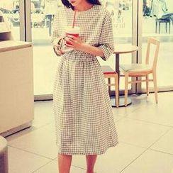 Eva Fashion - Windowpane Check Elbow-Sleeve Dress