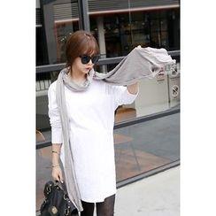 Momnuri - Maternity V-Neck Dual-Pocket T-Shirt Dress
