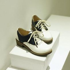 JY Shoes - Two-Tone Brogue Oxfords