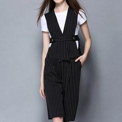 妮佳 - 套装: 短袖T恤 + 条纹马甲 + 短裤