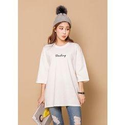 J-ANN - 3/4-Sleeve Lettering T-Shirt