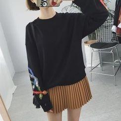 Eva Fashion - Embroidered Sweatshirt