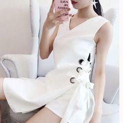 THE XIBI - Set: Eyelet Lace Up V-Neck Sleeveless Tunic + Shorts