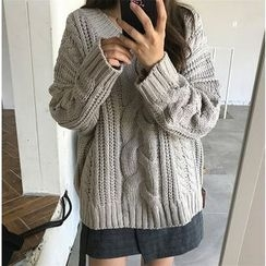 Chililala - Cable Knit Sweater