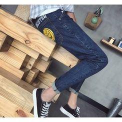 Bestrooy - Smiley Print Slim-Fit Jeans