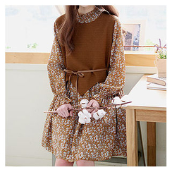 Sechuna - Inset Sweater Floral Pattern Flare Dress with Sash