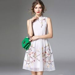 Y:Q - Embroidered Sleeveless Dress