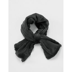 FROMBEGINNING - Keyhole Faux-Fur Scarf