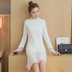 Sienne - Pleated Hem Long Sleeve Lace Dress