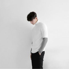 Seoul Homme - Turtle-Neck Color-Block Rib-Knit Top
