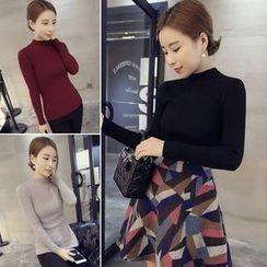 QZ Lady - Mock Neck Knit Pullover