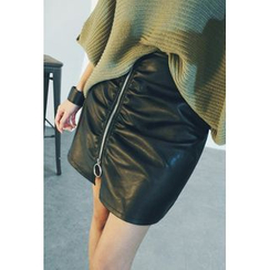 ATTYSTORY - Shirred Faux-Leather Skirt